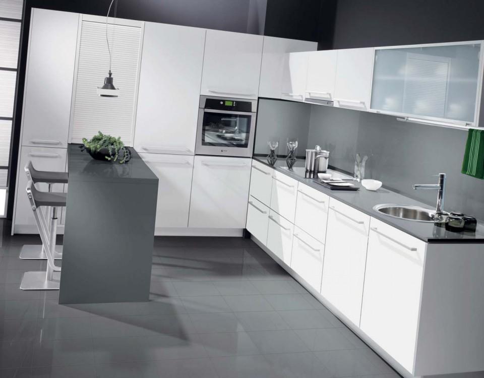Maquinaria carpinter a ocasi n para reformar la cocina for Cocinas modernas valencia